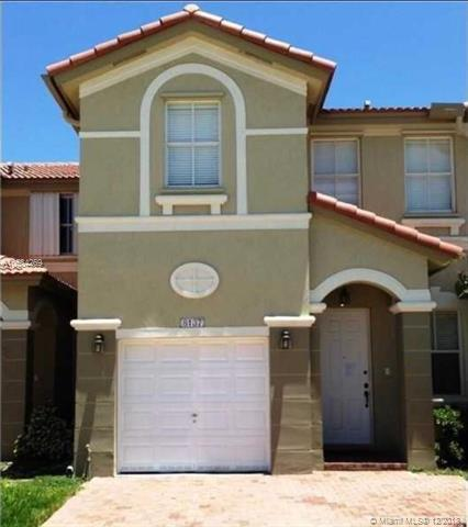 8137 NW 108th Ct, Doral, FL 33178 (MLS #A10584269) :: Castelli Real Estate Services