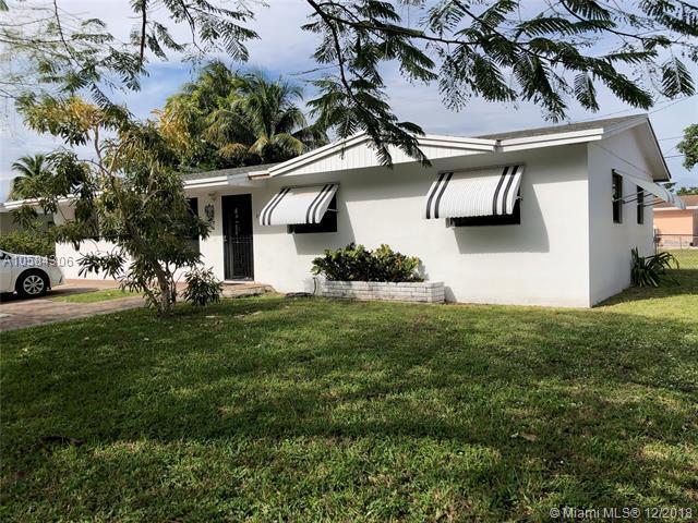 4975 NW 180th Ter, Miami Gardens, FL 33055 (MLS #A10584306) :: Laurie Finkelstein Reader Team