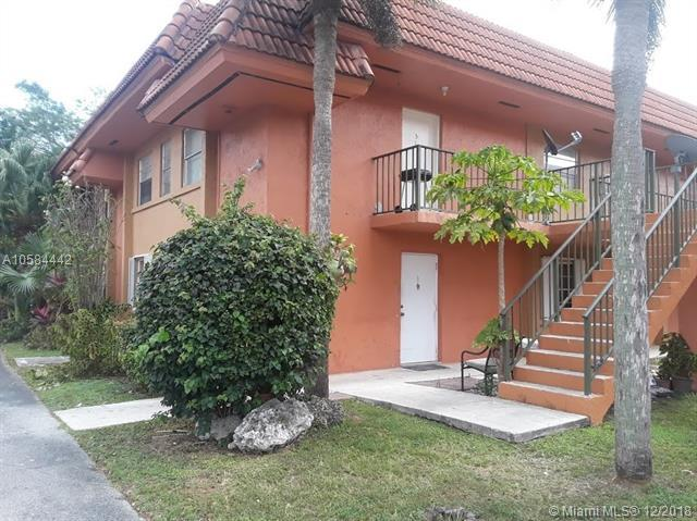 6871 SW 129th Ave #1, Miami, FL 33183 (MLS #A10584442) :: Laurie Finkelstein Reader Team