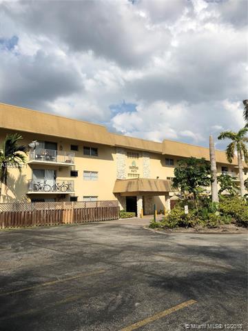 8475 SW 94th St 318E, Miami, FL 33156 (MLS #A10584471) :: Laurie Finkelstein Reader Team