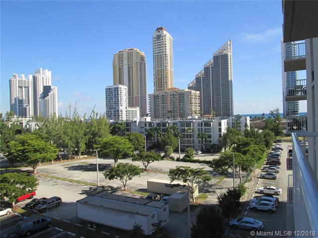 231 174th St #719, Sunny Isles Beach, FL 33160 (MLS #A10584533) :: Miami Villa Team