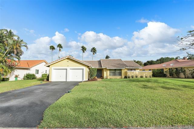 8455 NW 1st St, Coral Springs, FL 33071 (MLS #A10584613) :: The Teri Arbogast Team at Keller Williams Partners SW