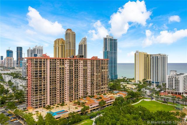 210 174th St #305, Sunny Isles Beach, FL 33160 (MLS #A10584634) :: Green Realty Properties