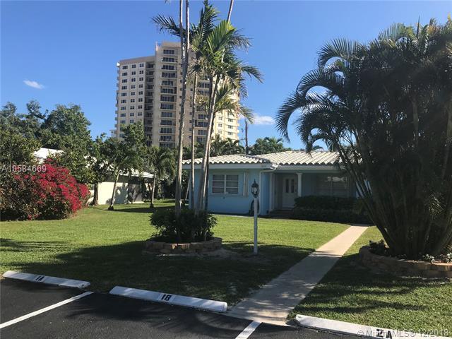 3214 SE 11th St, Pompano Beach, FL 33062 (MLS #A10584669) :: Miami Villa Team