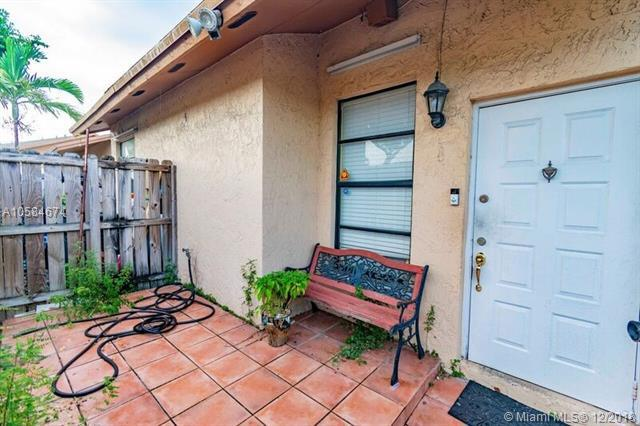 6735 NW 192nd Ln #6735, Hialeah, FL 33015 (MLS #A10584674) :: Green Realty Properties