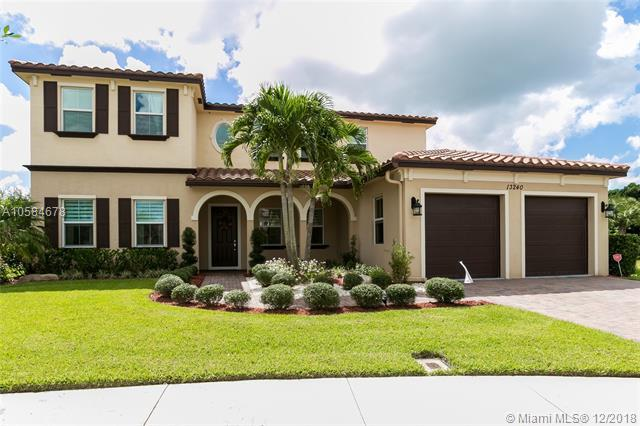 13240 SW 13th St, Davie, FL 33325 (MLS #A10584678) :: The Teri Arbogast Team at Keller Williams Partners SW