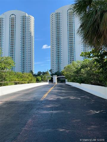 202 Poinciana Dr, Sunny Isles Beach, FL 33160 (MLS #A10584758) :: Green Realty Properties