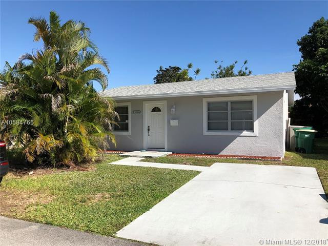 6104 NW 74th Ave, Tamarac, FL 33321 (MLS #A10584766) :: Castelli Real Estate Services