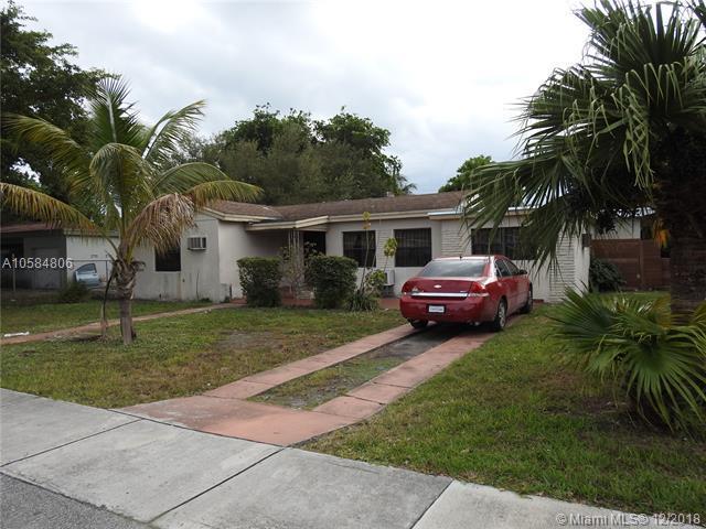 1250 NE 130th St, North Miami, FL 33161 (MLS #A10584806) :: The Jack Coden Group