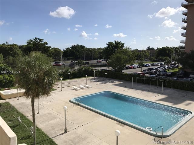 15600 NW 7th Ave #315, Miami, FL 33169 (MLS #A10584963) :: Miami Villa Team