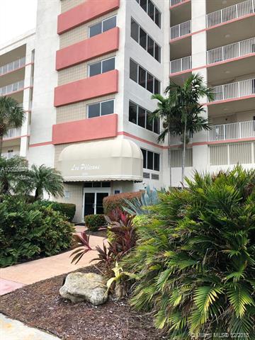 18260 N Bay Rd #302, Sunny Isles Beach, FL 33160 (MLS #A10585046) :: Keller Williams Elite Properties