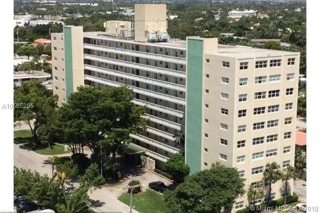2555 NE 11th St #204, Fort Lauderdale, FL 33304 (MLS #A10585295) :: Grove Properties