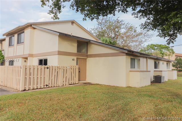 2950 NW 106th Ave #10, Sunrise, FL 33322 (MLS #A10585317) :: The Teri Arbogast Team at Keller Williams Partners SW