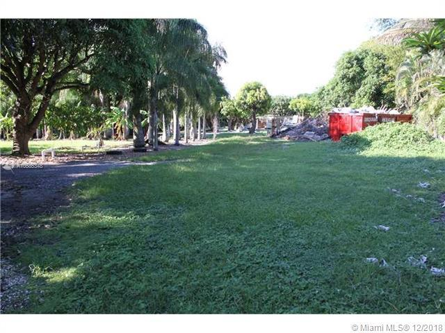 15796 SW 209th Ave, Miami, FL 33187 (MLS #A10585348) :: The Teri Arbogast Team at Keller Williams Partners SW