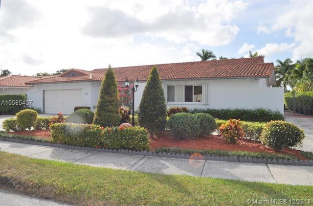 2010 SW 125th Ct, Miami, FL 33175 (MLS #A10585407) :: Miami Villa Team