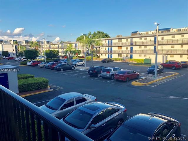 14185 SW 87th St A-211, Miami, FL 33183 (MLS #A10585437) :: Miami Villa Team