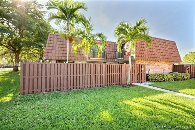 4133 Wimbledon Dr, Cooper City, FL 33026 (MLS #A10585556) :: RE/MAX Presidential Real Estate Group