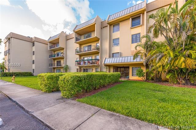 10431 N Kendall Drive D304, Miami, FL 33176 (MLS #A10585559) :: The Howland Group
