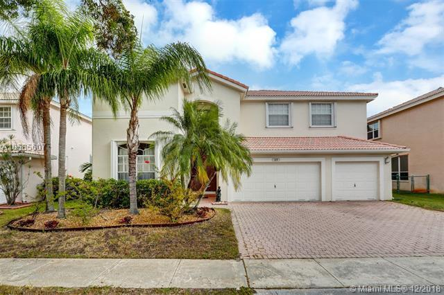 629 SW 167th Way, Pembroke Pines, FL 33027 (MLS #A10585607) :: Castelli Real Estate Services