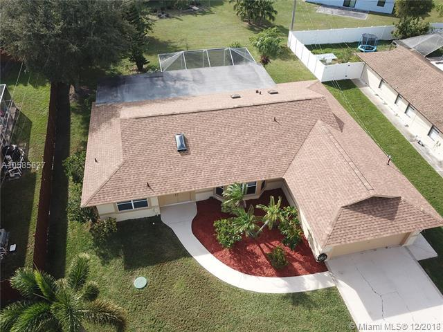 1774 SE Berkshire Blvd, Port St. Lucie, FL 34952 (MLS #A10585827) :: The Teri Arbogast Team at Keller Williams Partners SW