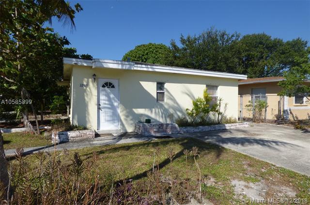 1501 N Andrews Ave, Fort Lauderdale, FL 33311 (MLS #A10585899) :: The Teri Arbogast Team at Keller Williams Partners SW