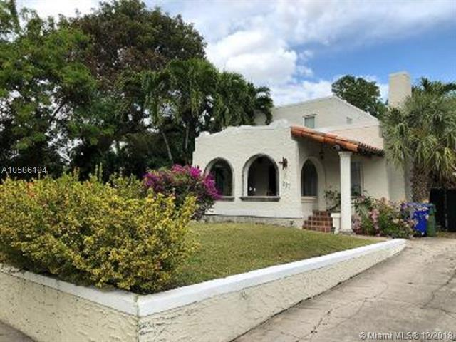 237 SW 20th Rd, Miami, FL 33129 (MLS #A10586104) :: The Paiz Group