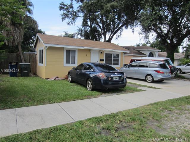 31 SW 7th St, Hallandale, FL 33009 (MLS #A10586158) :: RE/MAX Presidential Real Estate Group