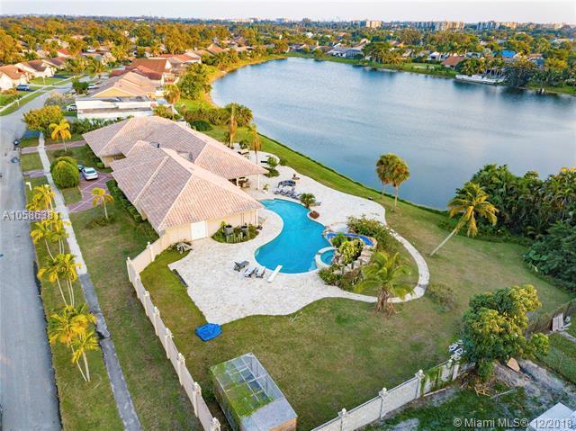 7248 NW 48th Ct, Lauderhill, FL 33319 (MLS #A10586381) :: Miami Villa Team