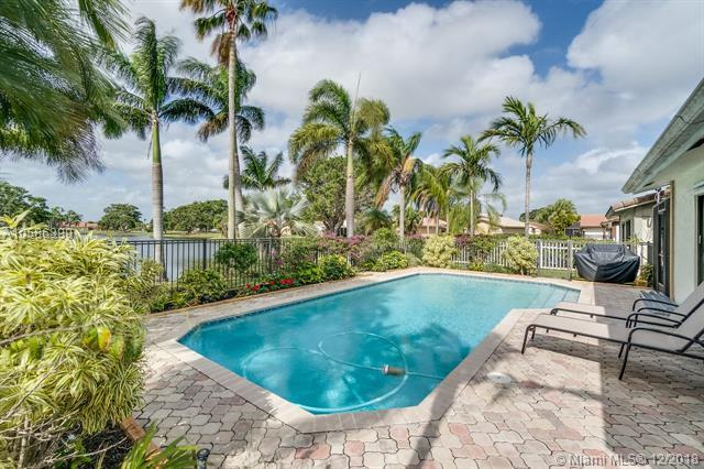 19651 Back Nine Drive, Boca Raton, FL 33498 (MLS #A10586390) :: The Howland Group