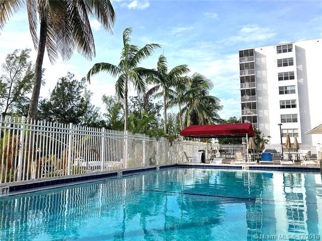 3660 NE 166th St #707, North Miami Beach, FL 33160 (MLS #A10586521) :: Green Realty Properties