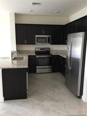 6167 Bangalow Dr #6167, Lake Worth, FL 33463 (MLS #A10586784) :: Green Realty Properties