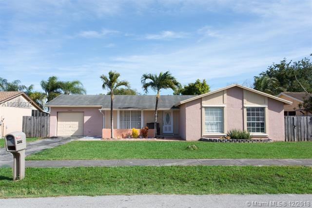 26061 SW 133rd Ct, Homestead, FL 33032 (MLS #A10586832) :: Green Realty Properties