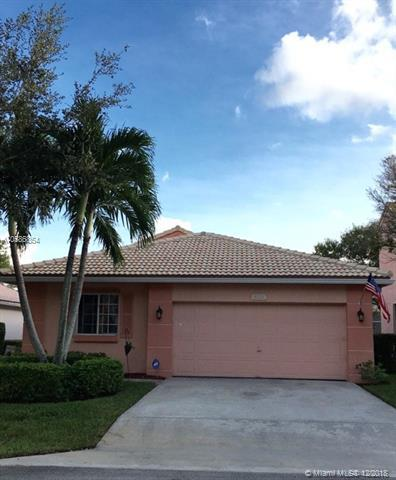 4714 NW 7th Pl, Deerfield Beach, FL 33442 (MLS #A10586854) :: Castelli Real Estate Services