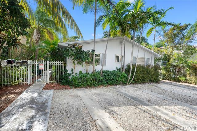 546 NE 69th St, Miami, FL 33138 (MLS #A10586960) :: The Riley Smith Group