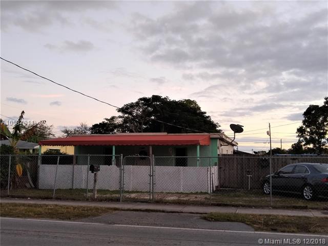 11824 SW 220th St, Miami, FL 33170 (MLS #A10587011) :: Green Realty Properties