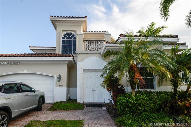 904 Manatee Way, Hollywood, FL 33019 (MLS #A10587037) :: Green Realty Properties
