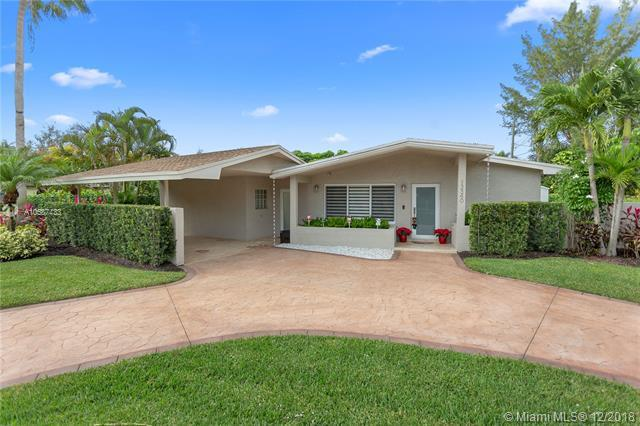 13340 SW 83rd Ct, Pinecrest, FL 33156 (MLS #A10587433) :: The Riley Smith Group