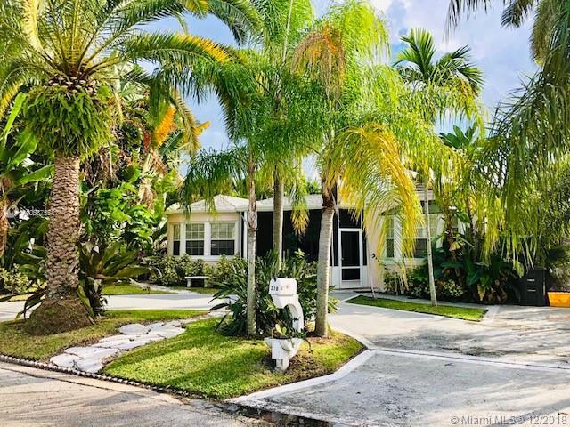 210 33rd St, West Palm Beach, FL 33407 (MLS #A10587554) :: The Teri Arbogast Team at Keller Williams Partners SW