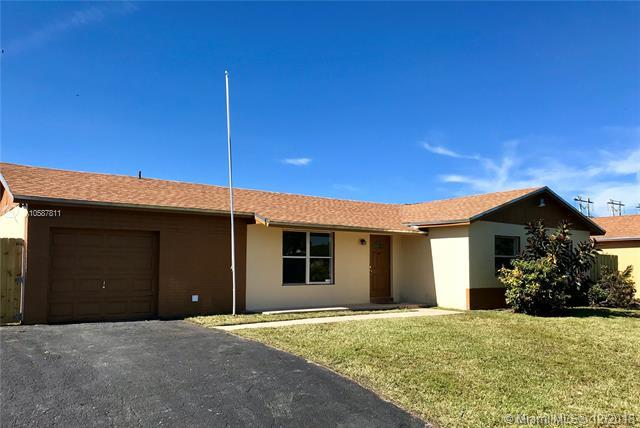 26174 SW 124th Ct, Homestead, FL 33032 (MLS #A10587811) :: Green Realty Properties