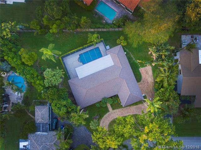 5891 SW 132nd Ter, Pinecrest, FL 33156 (MLS #A10587963) :: The Riley Smith Group