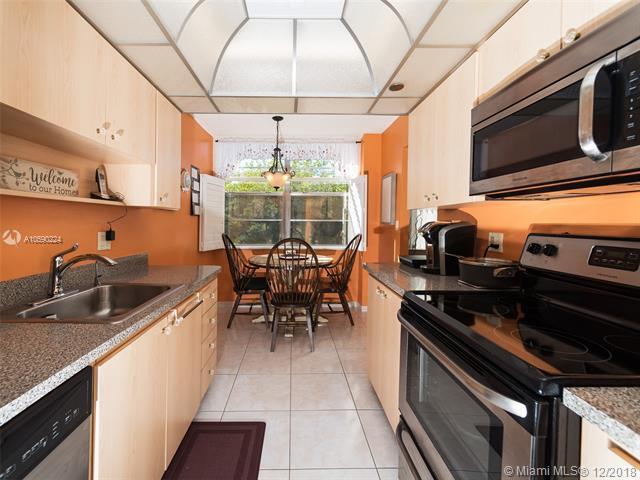 1300 Saint Charles Pl #312, Pembroke Pines, FL 33026 (MLS #A10590224) :: RE/MAX Presidential Real Estate Group
