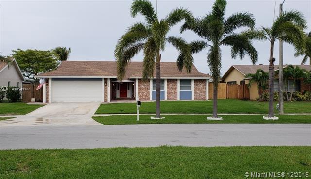 1354 SW 27th Ave, Deerfield Beach, FL 33442 (MLS #A10590347) :: The Paiz Group