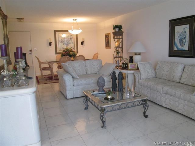 250 174th St #603, Sunny Isles Beach, FL 33160 (MLS #A10590451) :: The Paiz Group