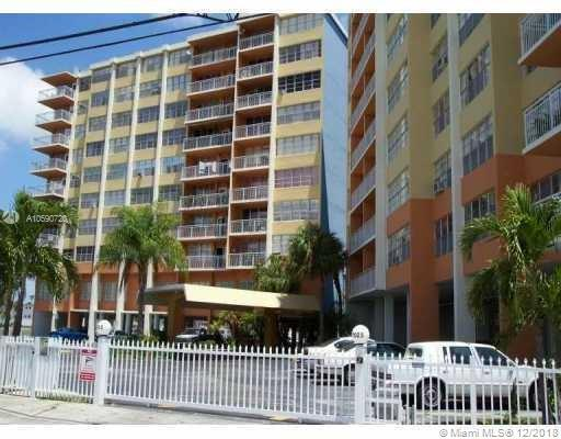 2025 NE 164th St #818, North Miami Beach, FL 33162 (MLS #A10590720) :: The Paiz Group
