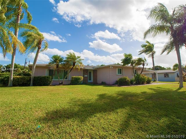 15725 SW 89th Ave, Palmetto Bay, FL 33157 (MLS #A10591487) :: The Adrian Foley Group