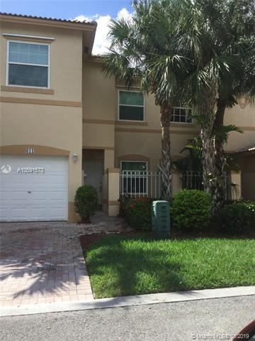 611 NW 170 Ter, Pembroke Pines, FL 33028 (MLS #A10591573) :: Green Realty Properties