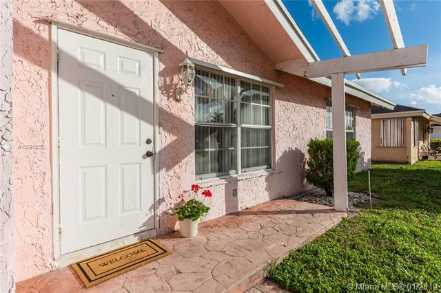 7417 SW 12th Ct, North Lauderdale, FL 33068 (MLS #A10591865) :: The Teri Arbogast Team at Keller Williams Partners SW