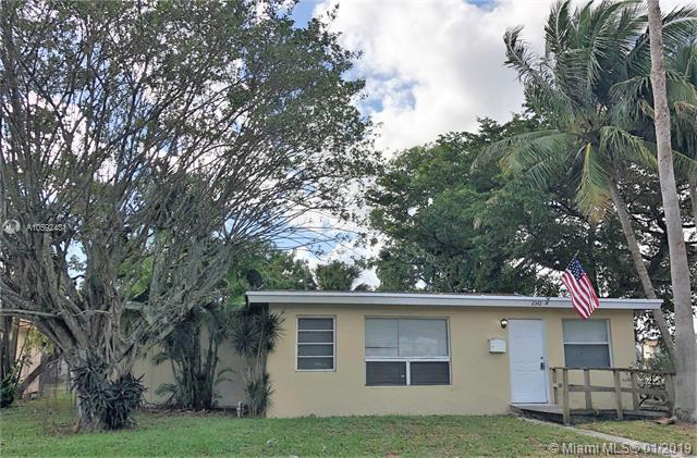 2342 NW 13th St, Fort Lauderdale, FL 33311 (MLS #A10592431) :: The Teri Arbogast Team at Keller Williams Partners SW