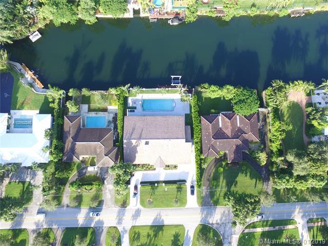 4706 Granada Blvd, Coral Gables, FL 33146 (MLS #A10592848) :: The Adrian Foley Group