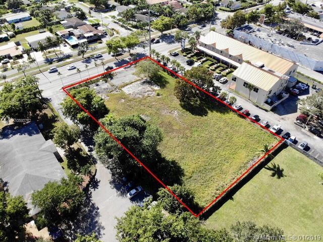 9975 Sunset Drive, Miami, FL 33173 (MLS #A10593762) :: Grove Properties